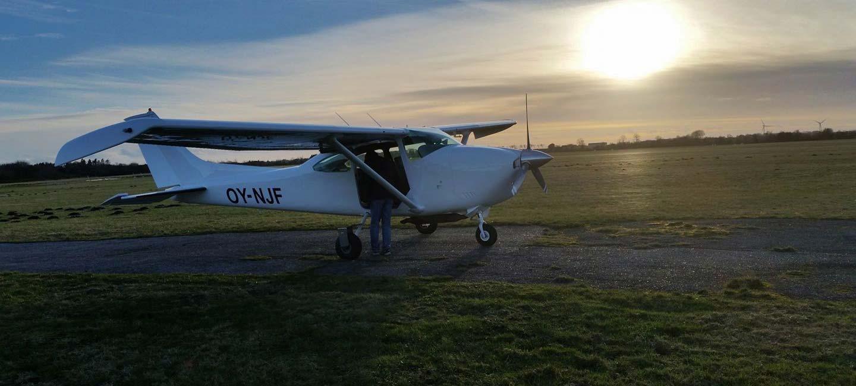 Faldskærmsflyver OY-NJF